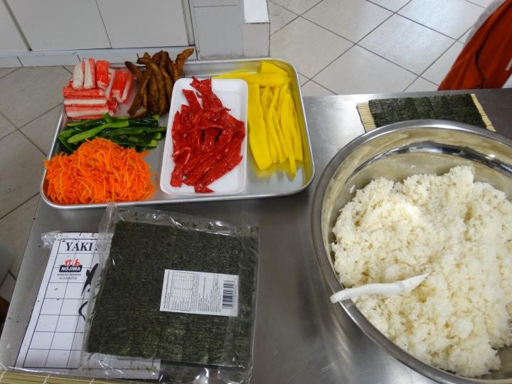 kimbap-sushi-korean-food-koreain